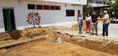 El Ayuntamiento ejecuta con cargo al PFOEA la ampliación de la sede de la Asociación AFA y obras de mejora en el Colegio María Doña y la calle Piquío