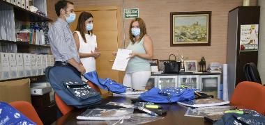 Ayudas en material escolar a través del Ayuntamiento de Los Palacios y Villafranca y La Caixa