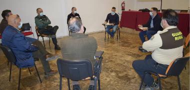El Ayuntamiento de Los Palacios y Villafranca se afana en acabar con los vertidos ilegales en su entorno rural