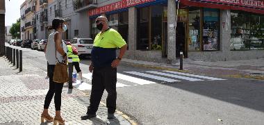 Zafarrancho de pintura en los pasos de peatones  de Los Palacios y Villafranca