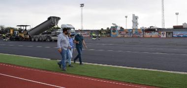 Avanza el proyecto de mejora y acondicionamiento del recinto de la pista de atletismo Rafael Curado Tejero de Los Palacios y Villafranca que se conver